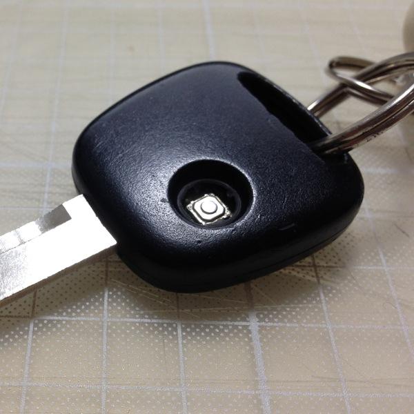 スズキ ワゴンRのキーレス ゴムボタン