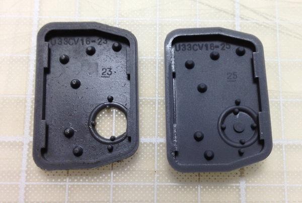 スズキ ワゴンRのキーレス ゴムボタン 比較